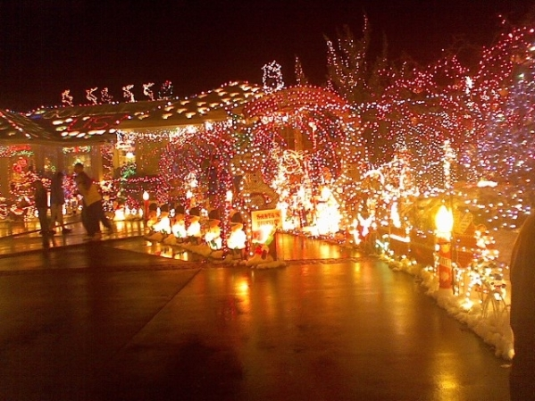 tunnel-of-lights